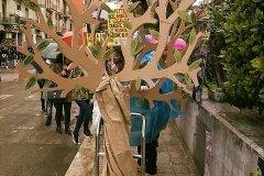 Foggia, l'albero realizato da genitori e bambini dell'istituto comprensivo Caporizzi Lucarelli - Acquaviva delle fonti - BA -